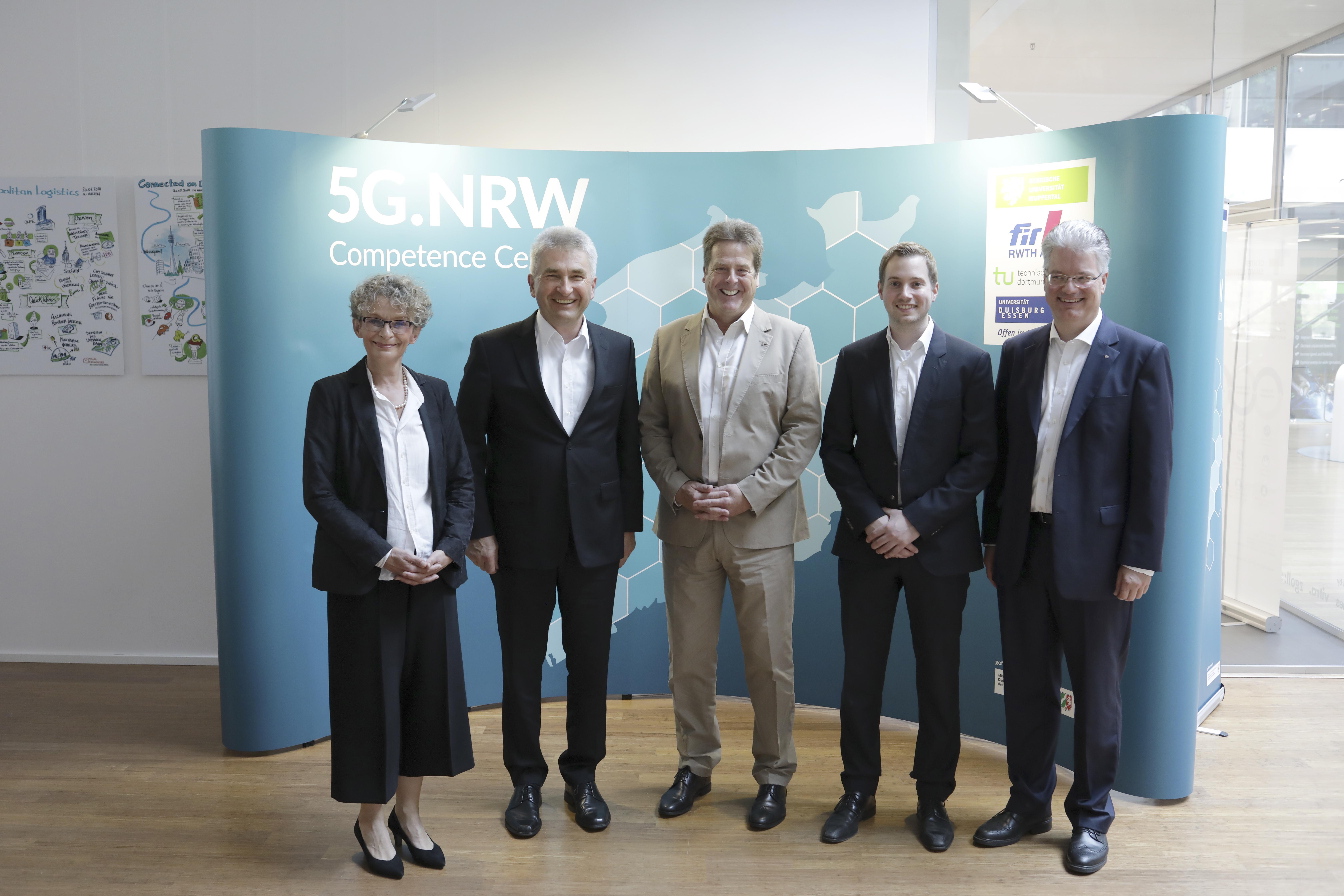 5G.NRW-Besuch-Prof.Pinkwart