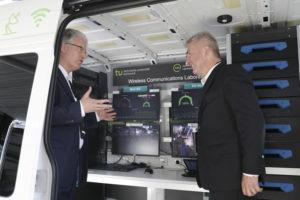 Minister Pinkwart besucht 5G.NRW